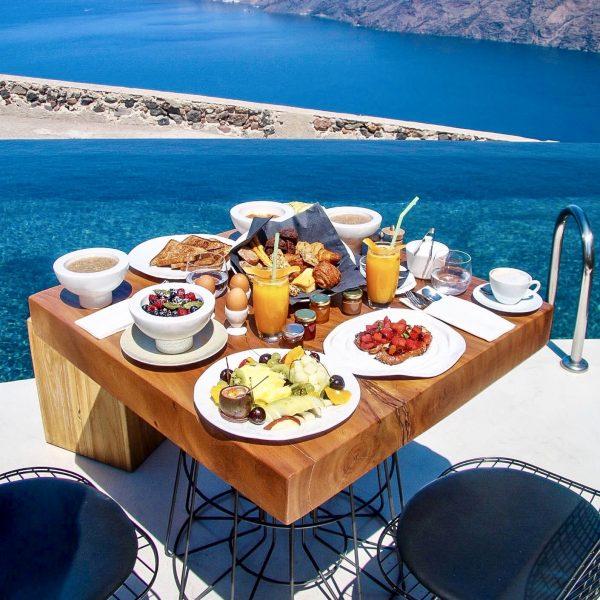 Breakfast at Throubi Restaurant