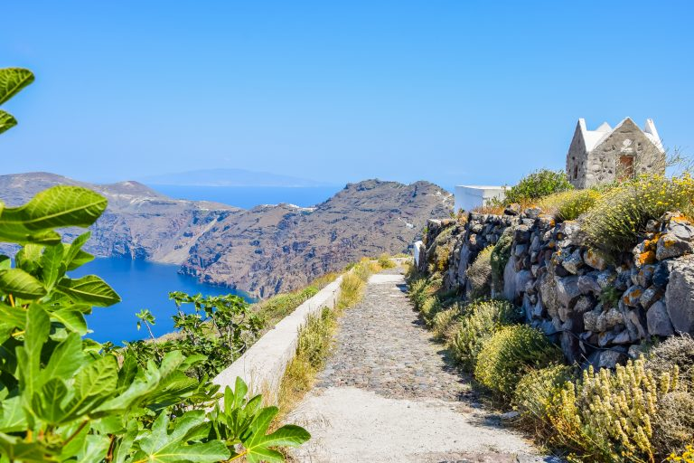 Hiking tours from Oia to Fira with Andronis family